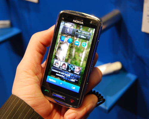 Hands-on with the Nokia C6 and C7 : Nokia World 2010 ...