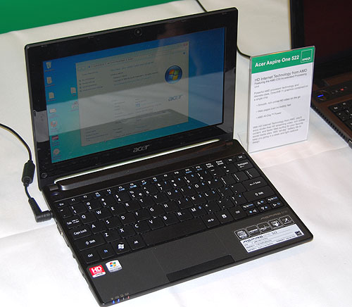 The 10.1-inch Acer Aspire One 522 is similar to Acer's previous Intel Atom netbook design outwardly, but it's powered by AMD's Ontario (1GHz) APU instead.