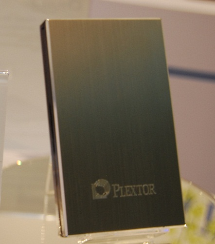 A USB 3.0 external HDD from Plextor with a shiny exterior housing that weighs around 190g.