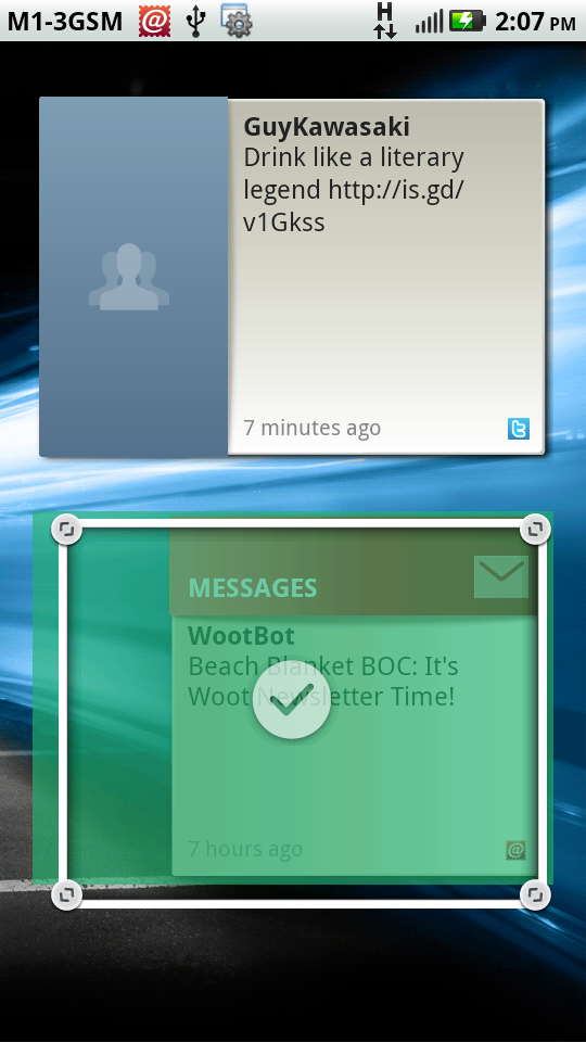 The unique thing about the MOTOBLUR UI is that it allows users to further personalize their Motorola widgets through resizing.