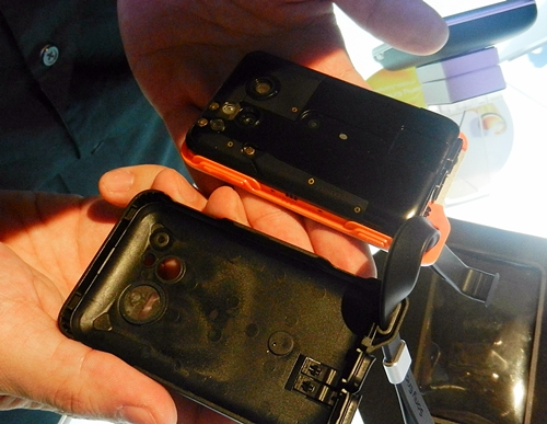 Sony Ericsson adds two back covers to protect the internals of the phone. Seen here is the first back cover.