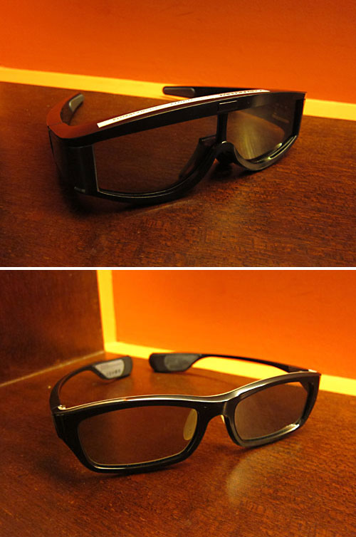 Samsung also provided a couple of pairs of 3D active shutter glasses. One is the more basic SSG-1000 model (top). It may look a bit clunky because of its bulk, but it's actually very light and hardly noticeable when worn. The other one is the more recent SSG-3300, which boasts a trendier design.