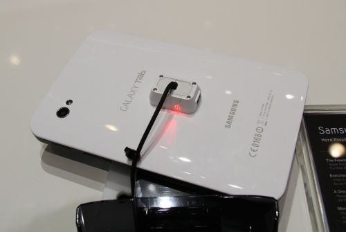 Here's how the Tab looks from the rear with the 3-megapixel camera. Oh, did we mention it's white at the back?