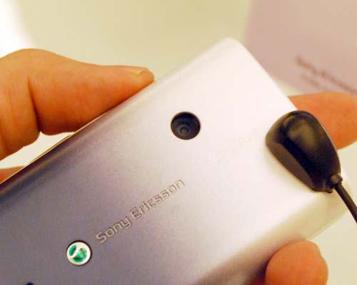 The X8 opts for a more affordable 3.2-megapixel camera without LED flash, which should put it a lower price range.