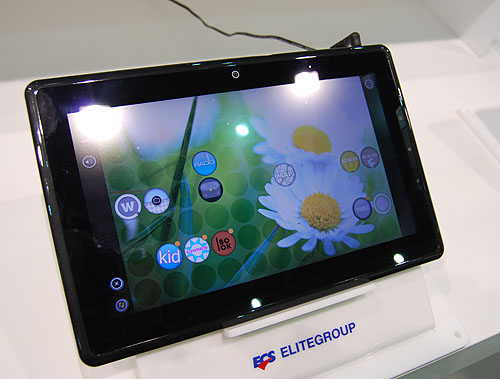 The 10.1-inch 1366 x 768, ECS tablet here uses the Oak Trail, Atom Lincroft Z670 processor that Intel announced previously, with options for up to three different OS, Windows, Android and MeeGo. It means it could be using an x86 port of Android. Battery life is rated at under 6 hours, and it weighs 750g, which is similar to many tablets.