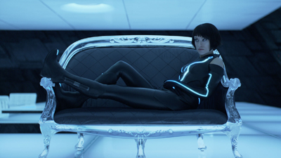 Think about watching Tron Legacy in 1080p, limited by the small screen size on your mobile, like what you see here.