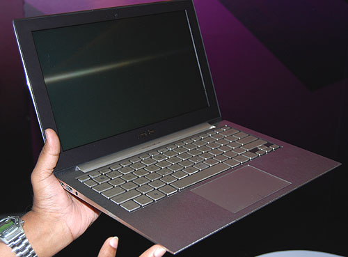 Look at how thin this 12-inch ultraportable gets, as it tapers almost to the edge. It could be rather sharp though.