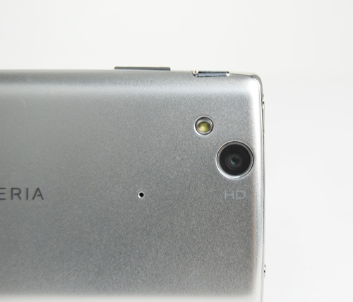 Situated at the back, the 8.1-megapixel camera comes with a f/2.4 lens and a LED flash. It also features autofocus, LED flash, image stabilization, geo-tagging, face and smile detection capabilities and most importantly, supports 720p video capture.