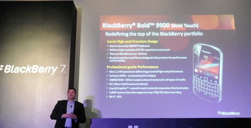 Francois Mahieu, Senior Director and Product Management of Asia, was present to launch the BlackBerry Bold 9900.