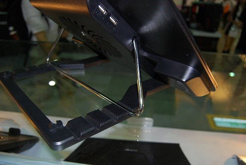 The backview of the Hawk 2 and the adjustable stand with its five angles.