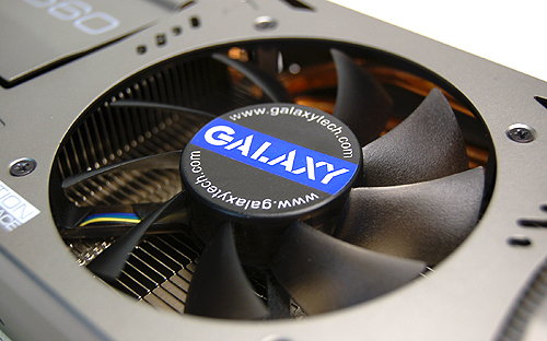 Under the metallic cooler casing is a large heatsink coupled with four thick heat pipes.