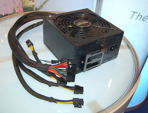 Another feature showcased was this special heatsink cooler round the back of the PSU.