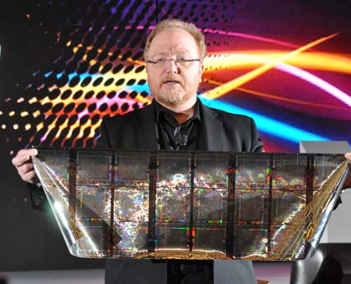 Phil McKinney, Vice President and Chief Technology Officer of HP holding the future of mobile phones in his hands. What you're looking at is actually bendable screens made from solar film. He also talked about innovation and webOS.
