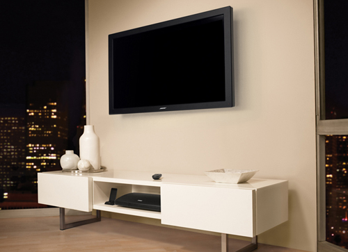 The VideoWave entertainment system is all about making things simple, and so it consists only of a 46-inch LCD screen with an integrated home theater sound system, a set-top box and the click pad remote.