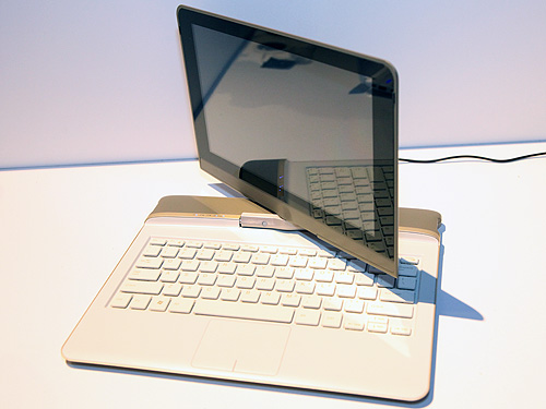 "Intel introduced ""Keeley Lake"", a convertible design based on the upcoming ""Cedar Trail"" Intel Atom netbook platform. The design allows for inputs via keyboard or touch and will offer users with sleek form factors with thinness from 17mm-20mm and multi-touch capacitive displays. With flexibility to run operating systems including Chrome OS, MeeGo and Windows, Intel is enabling ODMs with the ""Keeley Lake"" design and we may probably see similar designs like this on sale in the near future."