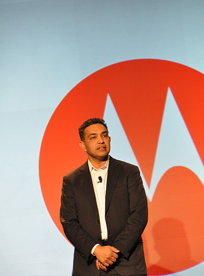 Sanjay Jha, Chairman and CEO of Motorola Mobility, on stage and introducing the new products that Motorola will be launching (or have launched).
