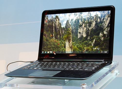 The Samsung Note PC 900X is one of the fastest IGP-based notebook around with a Windows Experience Score of 5.3! Not a bad score at all for a non-discrete GPU engine. The 900X uses the latest iteration of the Core i5/i7 processors, 4GB RAM, up to 256GB of storage and has a screen size of 13 inches.