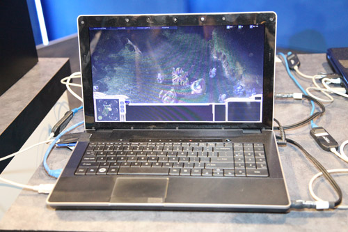 Notebook platform fitted with a Sandy Bridge processor running Starcraft 2 and concurrently capturing the gameplay video at full resolution.