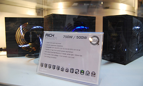 Also on display were Ikonik's Rich Power PSUs, which features Japanese capacitors for enhanced efficiency.