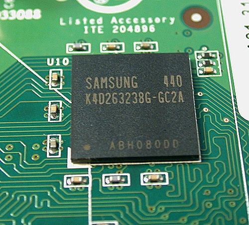 The memory is a Samsung 128Mbit x32 device clocked at 350MHz or also commonly referred as 700MHz in DDR terminology.