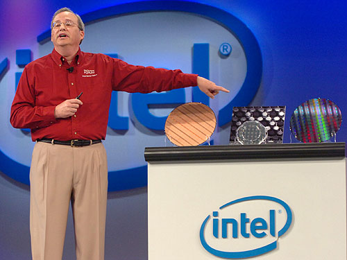 Intel Senior Fellow and CTO Justin Rattner showing their first tera-scale chip prototype to the attendees of IDF during the morning keynote.