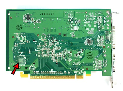 As the rear of the card shows, the 16MB version only requires one DDR chip in front and the rear is mostly bare. The 32MB version uses two memory chips with the second chip located at the rear of the card.