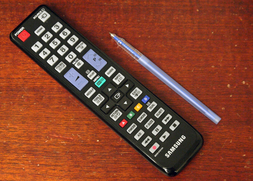 Samsung has gone back to the drawing board to engineer a more practical albeit less appealing remote wand. Notice the basic directional keys instead of a rotary dial. Controls for Anynet+ devices are placed below, whilst other dedicated buttons such as Media (for Media Play) and Guide (for EPG) makes a nice sweetener.