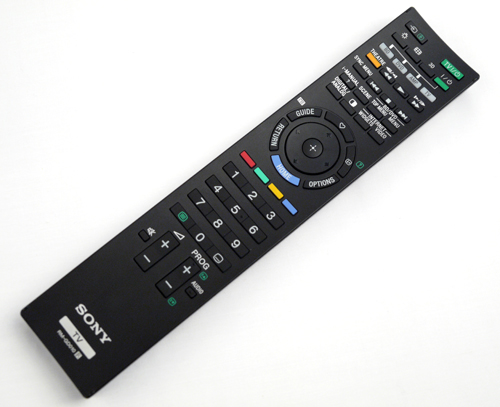 We were pretty happy with Sony's RM-GD010 remote which comes with a slightly beveled surface and a unique on/off button located behind the stick. As usual, the HOME button would bring forth the XrossMediaBar interface. The icing on this remote's cake, however, would have to be its stylish blue backlights.