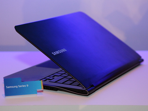 Samsung's new Series 9 laptop with sexy slim curvy lines.