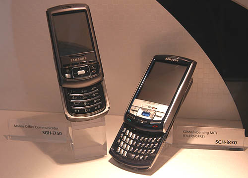 Not forgeting the power business users, Samsung also have a series of business phones based on Windows Mobile OS such as this SC-i830.
