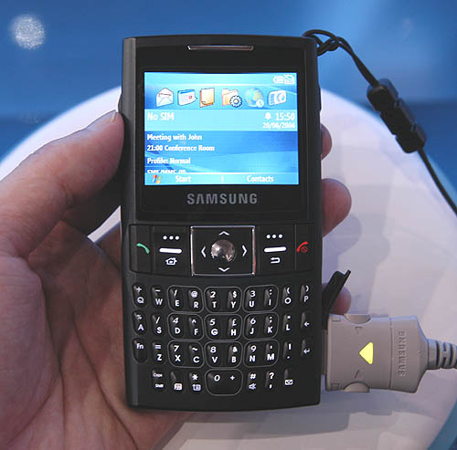 Another business-centric phone, the new Samsung i320n features a full QWERTY keyboard in a slim form factor design.