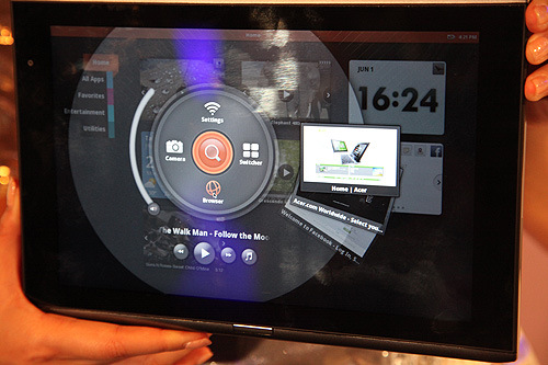 Acer demonstrated the new Acer Iconia M500 tablet based on the Atom processor. Here, you can see it running a customized UI of the MeeGo operating system.