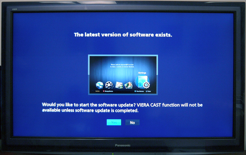 You might see this screen once you connect the display to the Internet. If you want the best for your TV and the most recent VIERA Cast applications, we'd recommend upgrading its firmware before deploying the D25S. Software was updated from version 0.293 to 5.500.