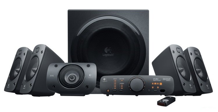 The Z906's subwoofer system is as enormous as that of the Z-5500, Logitech's previous high-end 5.1-channel speaker system. The Z906 is completely clad in a black exterior, not like the Z-5500 which adopts silver accents in its design.
