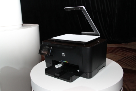 The revolutionary and perfect way to capture images of 3D objects and scan documents, the HP TopShot LaserJet Pro M275 is an affordable, ideal desktop companion for small or home offices. Equipped with the HP TopShot Scanning, it is able to capture six separate images of a document or a 3D objects and produce one final seamless image of exceptional quality.