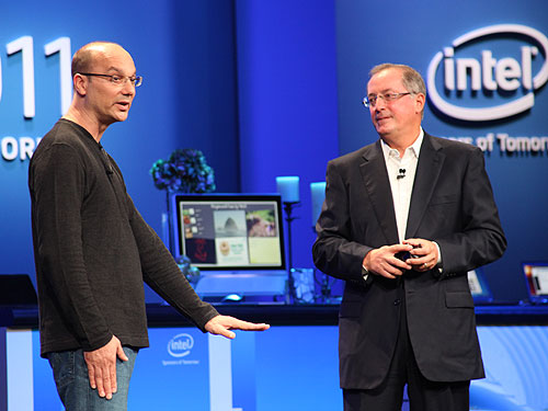 Andy Rubin, Senior Vice President of Mobile at Google (left) and Paul Otellini, Intel President and CEO at the joint announcement this morning at IDF 2011.