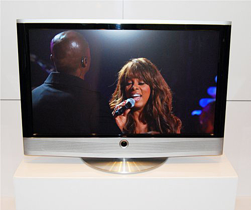 The 42-inch Loewe Art TV offers a big screen and not much else since it does not have 3D capabilities.
