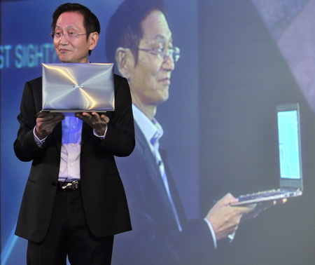 ASUS Chairman Mr. Jonney Shih presenting the ASUS ZENBOOK.