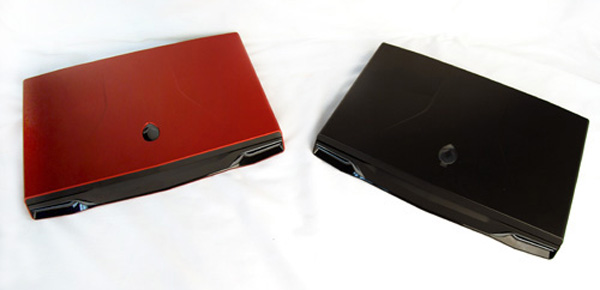 The Dell Alienware M17X R3 is available in Nebula Red and Stealth Black variants.