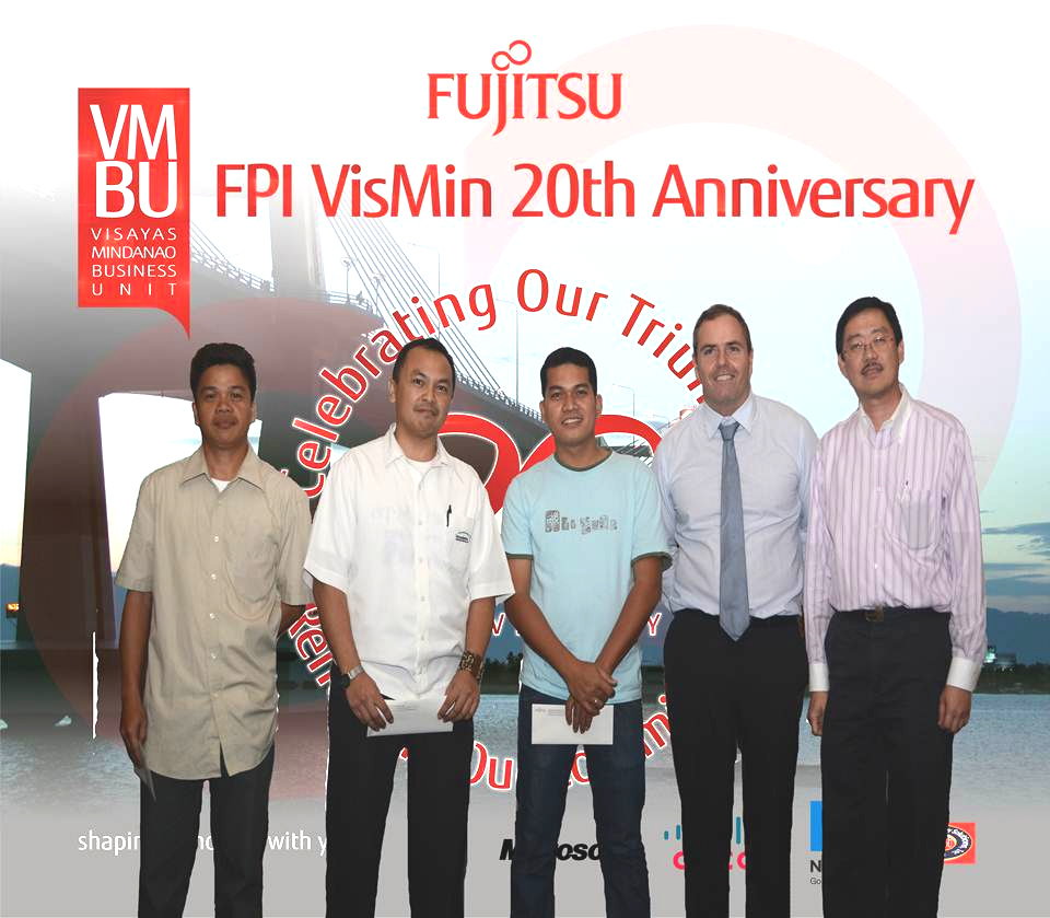 Fujitsu Philippines, Inc. (FPI) President and Chief Executive Officer, Peter G. Tan, with some of Fujitsu VisMin Business Unit valued clients.