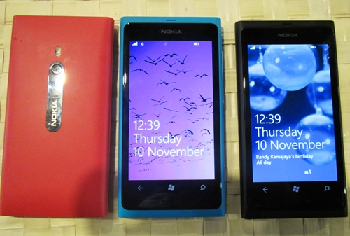 The Lumia 800 looks almost identical to its Meego-powered sibling, the N9, with a few minute changes, i.e., the Lumia 800 comes with a smaller 3.7-inch screen as compared to the N9's 3.9-inch screen. Otherwise, the Lumia 800 feels premium to the touch, featuring an elegant unibody chassis with minimal controls. Our short hands-on experience was smooth-sailing, speedy and positive (the AMOLED display is pretty stunning). The set comes in Magenta, Cyan and Black.