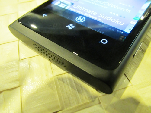 The Lumia 800 relies on three touch controls (back, home, search), something that is characteristic of Windows Phone 7 devices.