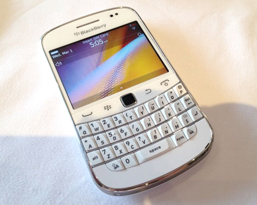 Get into the mood of a white Christmas with a white BlackBerry Bold 9900.