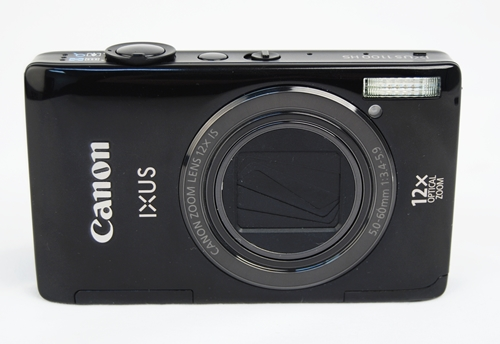 The Canon IXUS 1100 HS comes in a compact body with high-end specs. The camera has a sturdy and stylish exterior that is sadly marred by a glossy  and non-dustproof surface.
