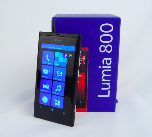 The Nokia Lumia 800, priced at S$775, definitely got our attention as one of the better designed Windows Phone devices for 2011. If only battery life and camera performance were fine tuned better, it would have ranked even higher up our scales.