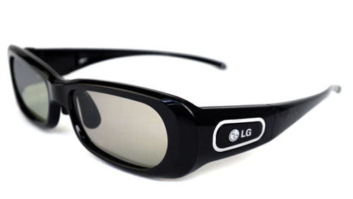 LG's S250 is essentially a 120Hz frame-sequential 3D glasses which communicates with the TV via the RF protocol instead of IR. They are slightly clunky but relatively lightweight. A mini-USB port is included for recharging purposes.
