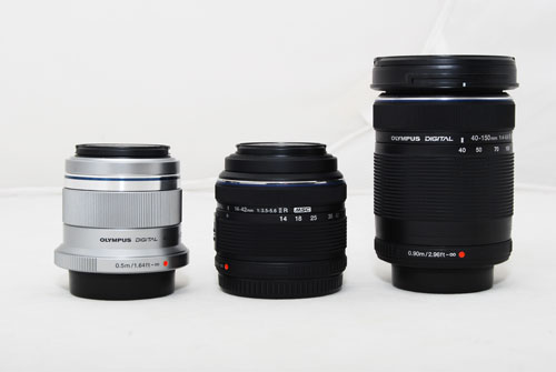 The 45mm lens is small and compact. Here it is compared to a standard Olympus 14-42mm kit lens, and a 40-150mm telephoto lens.
