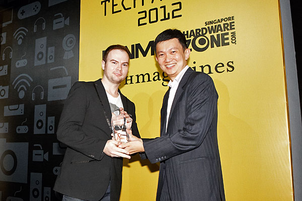 Courts has been voted by our readers as the best consumer electronics megastore in Singapore. Here's Mr. Robert Craig Stieller, Senior Manager for Courts Singapore receiving the award.