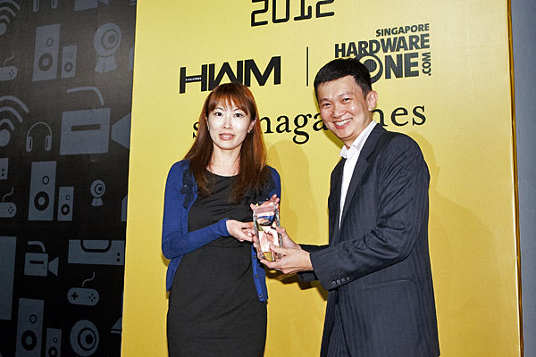 The Editor's Choice award for Best Solid State Drive, and Reader's Choice award for Best PC Memory Brand went to Kingston. Receiving the awards was Ms. Ann Bai, Kingston's Sales Director for DRAM Memory for APAC.
