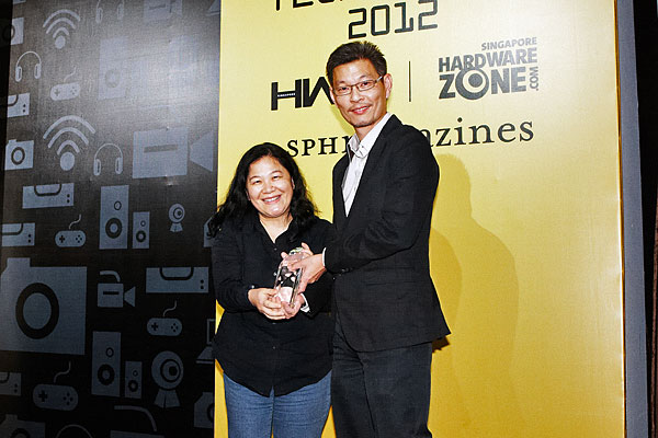 NVIDIA went home with two awards: Editor's Choice for Best Enthusiast Graphics Chip and Reader's Choice for Best Gaming Graphics Processor Brand. Receiving the awards was Ms. Melody Tu, NVIDIA's Senior PR Manager for APAC.